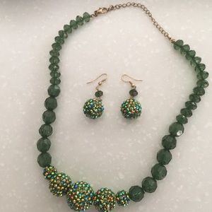 Erica Lyons matching necklace & earring set